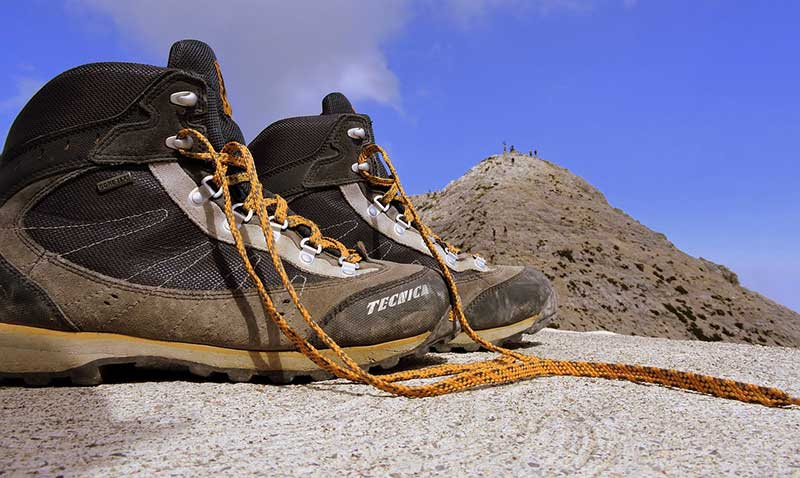 8 Best Lightweight Hiking Boots for Backpacking - entirelab ed3da4c83a4e