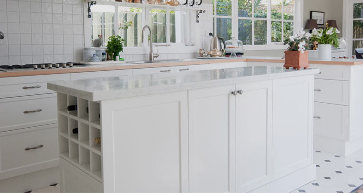 5 Best Polyurethane Clear Coats for Kitchen Cabinets in 2020